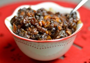 Making your own Christmas homemade mince meat